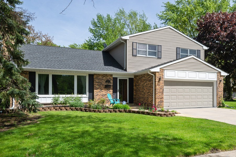Real Estate Photography - 1405 S Highland, Arlington Heights, IL, 60005 - Front View