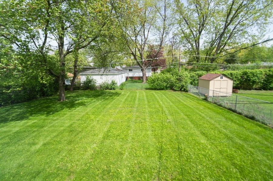 Real Estate Photography - 1415 N Highland, Arlington Heights, IL, 60004 - Back Yard