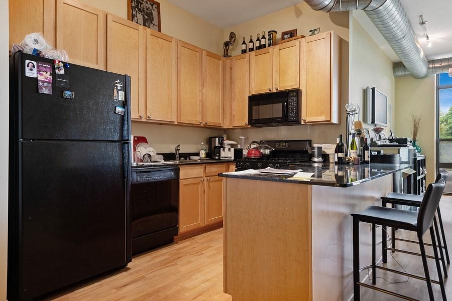 Real Estate Photography - 4020 N Damen, Unit 206, Chicago, IL, 60618 - Kitchen