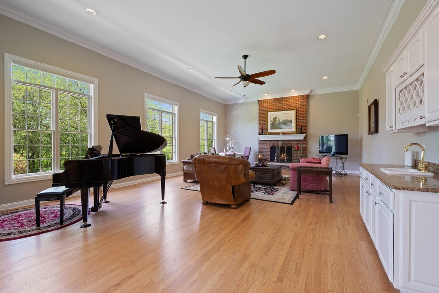 Real Estate Photography - 28471 W Casey Ct, Lake Barrington, IL, 60010 - Family Room