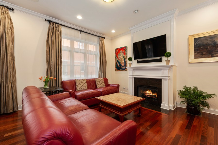 Real Estate Photography - 3842 N Southport, Unit k, Chicago, IL, 60613 - Living Room