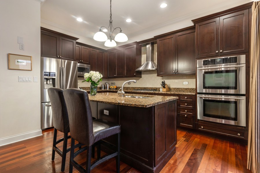 Real Estate Photography - 3842 N Southport, Unit k, Chicago, IL, 60613 - Kitchen