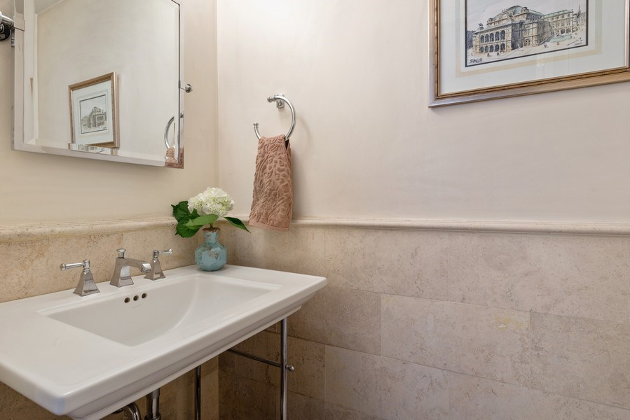 Real Estate Photography - 3842 N Southport, Unit k, Chicago, IL, 60613 - Powder Room