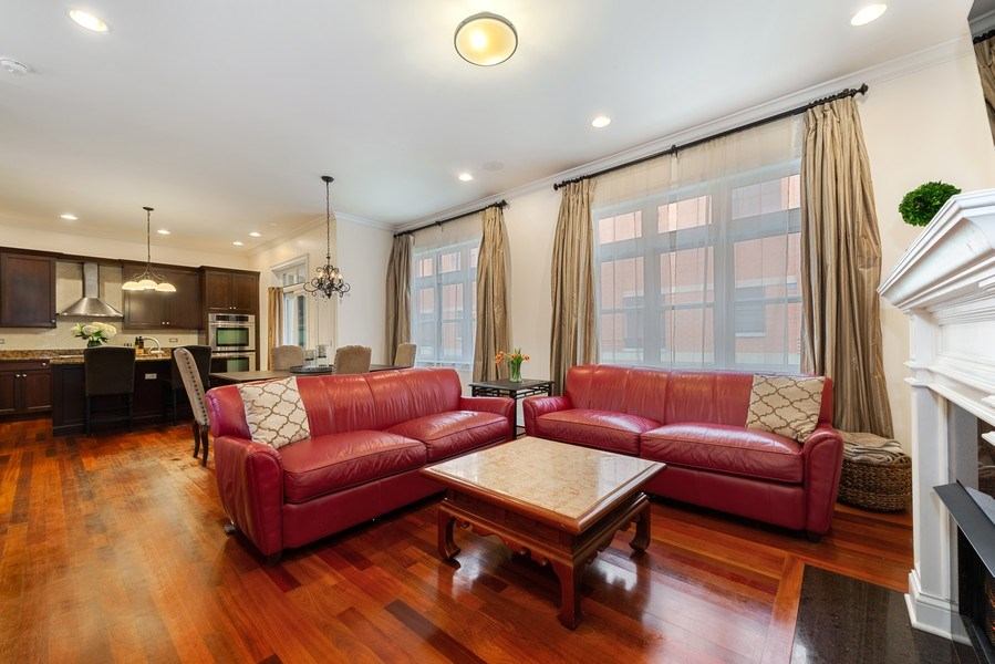 Real Estate Photography - 3842 N Southport, Unit k, Chicago, IL, 60613 - Kitchen / Living Room