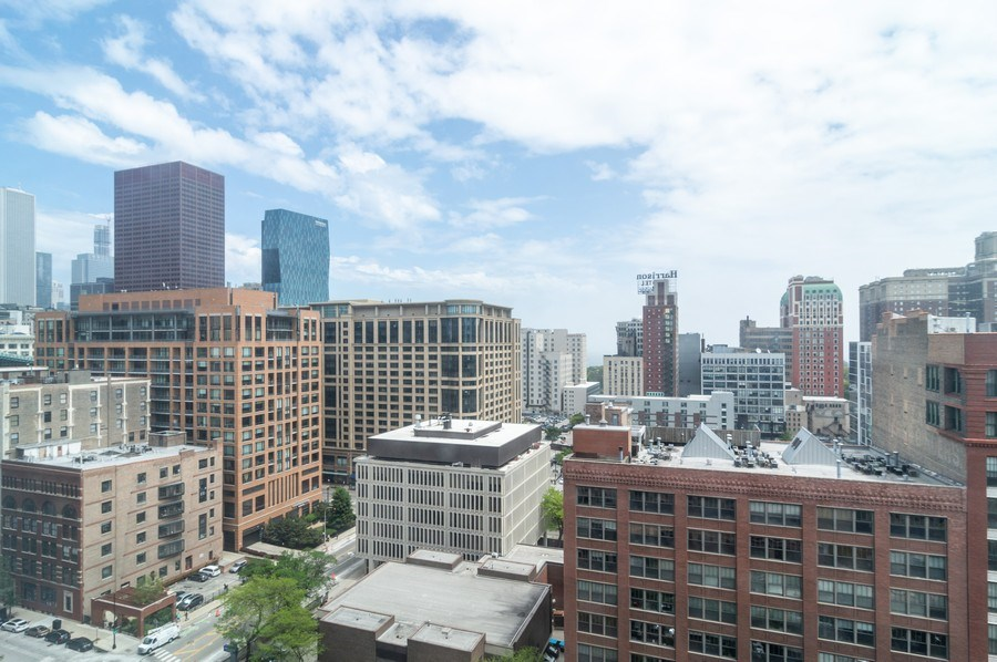 Real Estate Photography - 600 S Dearborn, Unit 1414, Chicago, IL, 60605 - City View