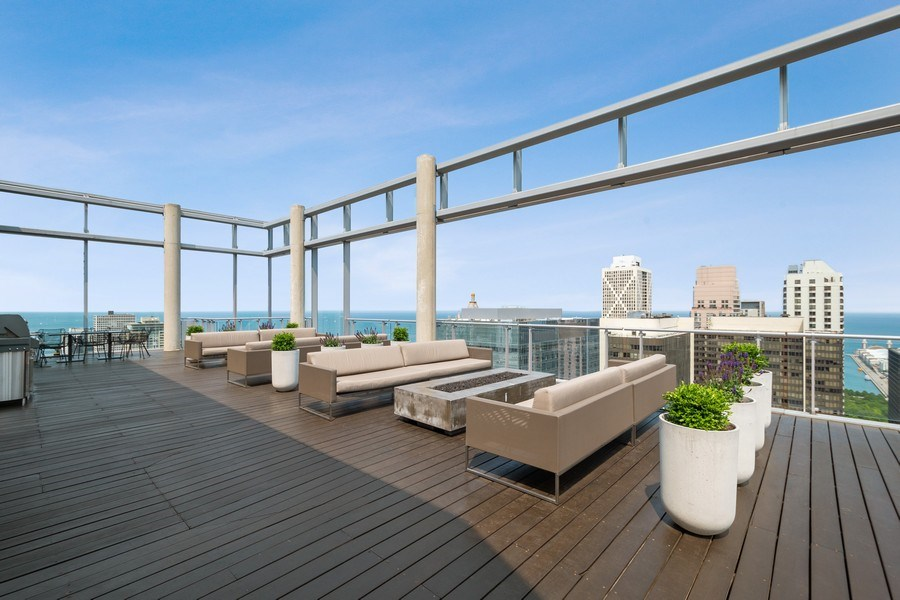 Real Estate Photography - 600 N Fairbanks Ct, Unit 1503, Chicago, IL, 60611 - Common Sundeck