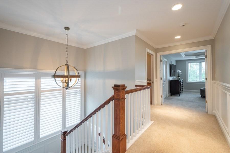 Real Estate Photography - 756 E Sunnyside Ave, Libertyville, IL, 60048 - 2nd floor landing