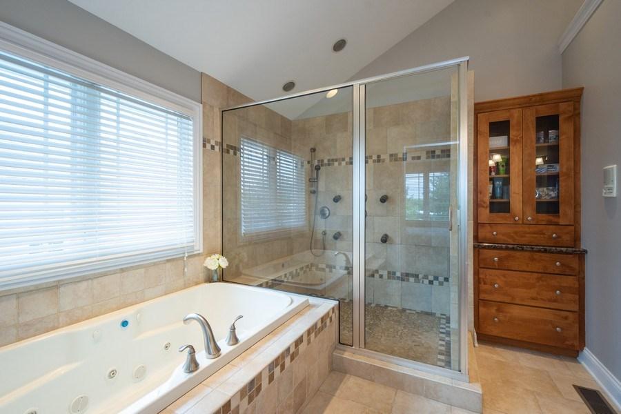 Real Estate Photography - 756 E Sunnyside Ave, Libertyville, IL, 60048 - Master Bathroom