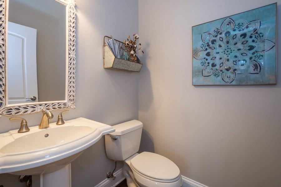 Real Estate Photography - 756 E Sunnyside Ave, Libertyville, IL, 60048 - Powder Room