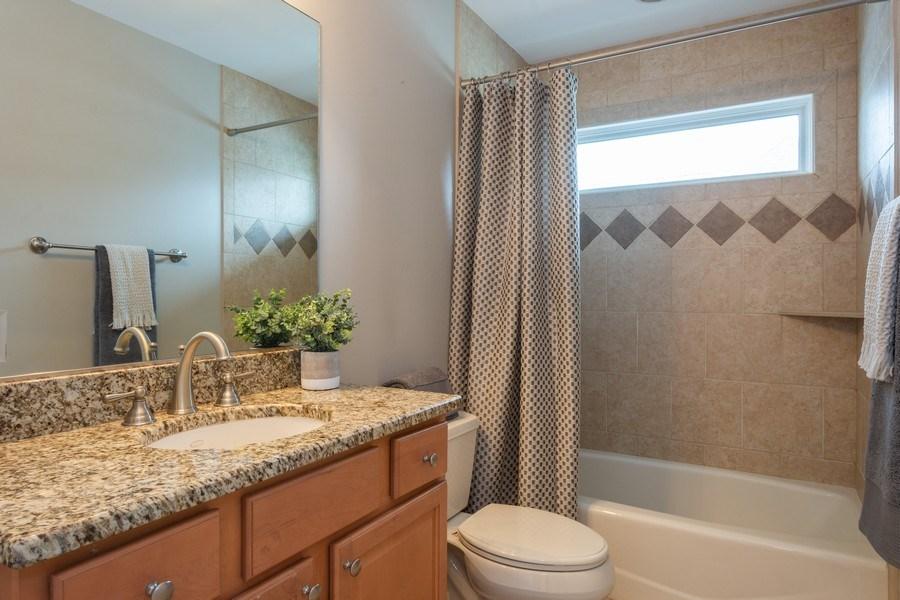 Real Estate Photography - 756 E Sunnyside Ave, Libertyville, IL, 60048 - 2nd Bathroom