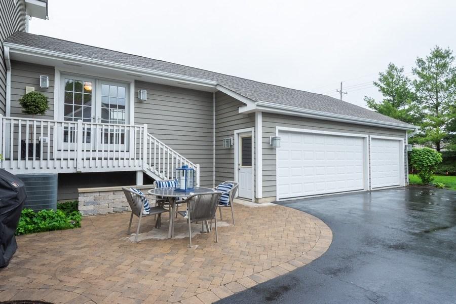 Real Estate Photography - 756 E Sunnyside Ave, Libertyville, IL, 60048 - Patio
