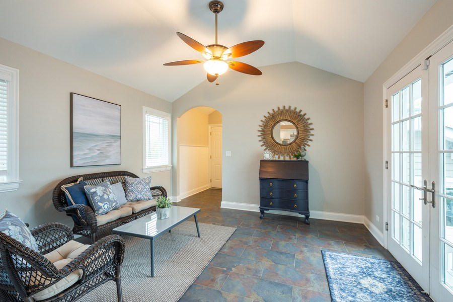 Real Estate Photography - 756 E Sunnyside Ave, Libertyville, IL, 60048 - Sun Room
