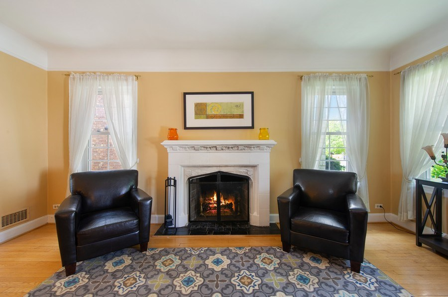 Real Estate Photography - 6229 N Leona Ave, Chicago, IL, 60646 - Living Room