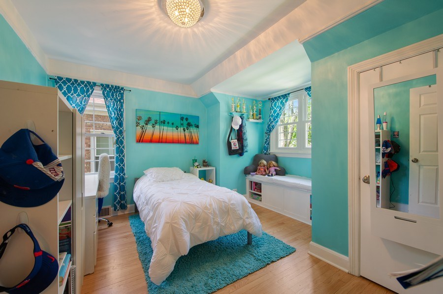 Real Estate Photography - 6229 N Leona Ave, Chicago, IL, 60646 - 2nd Bedroom