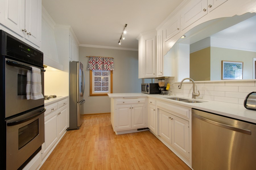 Real Estate Photography - 6229 N Leona Ave, Chicago, IL, 60646 - Kitchen
