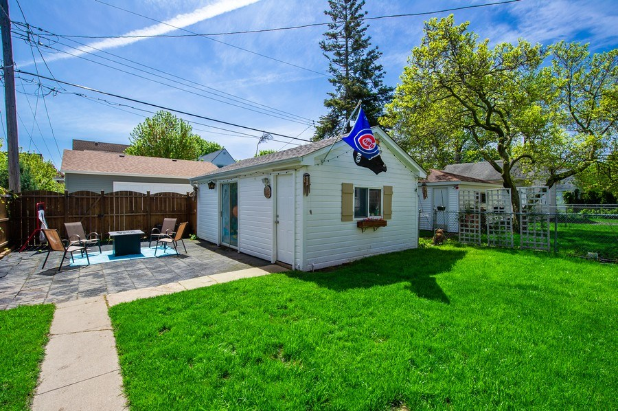 Real Estate Photography - 6229 N Leona Ave, Chicago, IL, 60646 - Back Yard