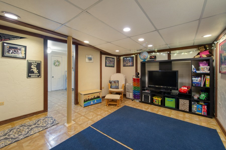 Real Estate Photography - 6229 N Leona Ave, Chicago, IL, 60646 - Basement