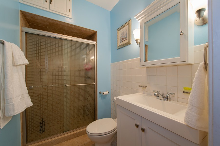 Real Estate Photography - 6229 N Leona Ave, Chicago, IL, 60646 - 2nd Bathroom