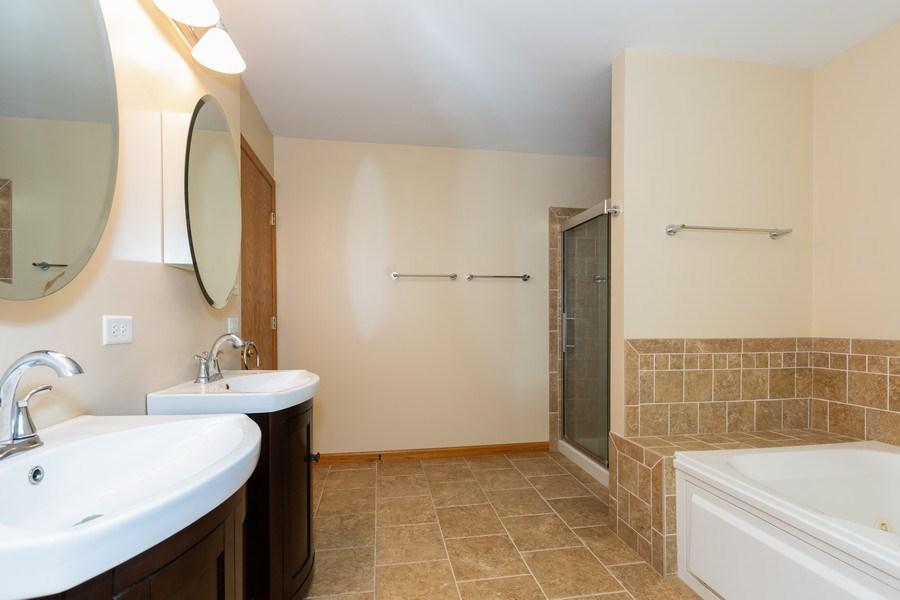 Real Estate Photography - 3975 Coneflower Cir, Coal City, IL, 60416 - Master Bathroom