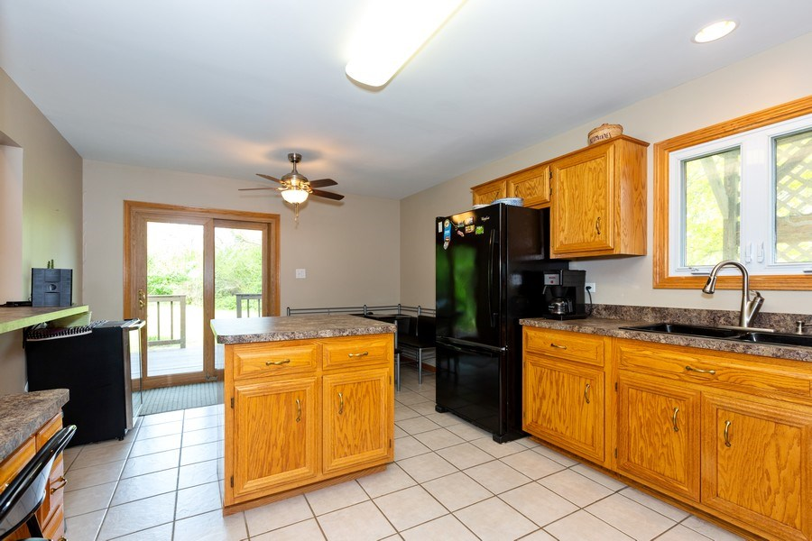 Real Estate Photography - 3975 Coneflower Cir, Coal City, IL, 60416 - Kitchen