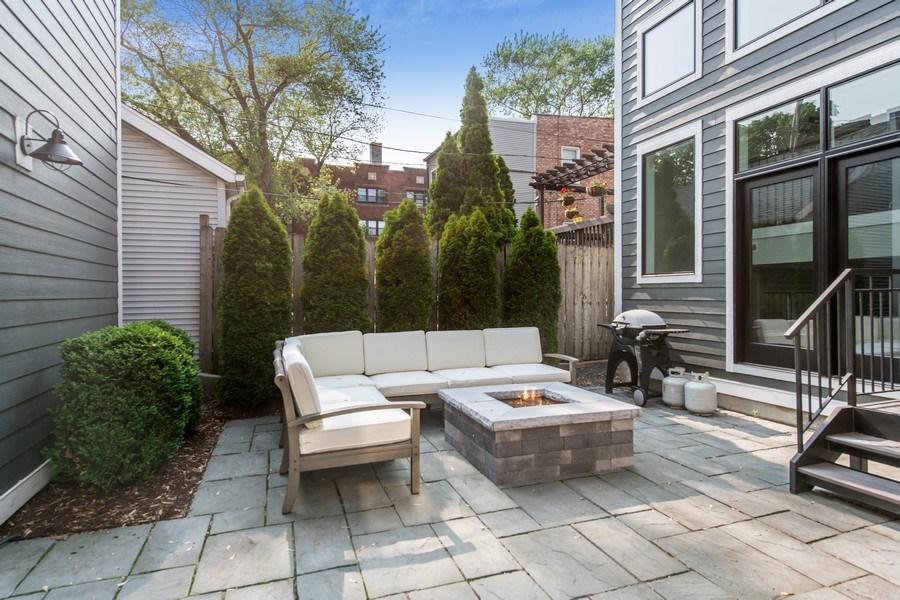 Real Estate Photography - 2019 W Wellington, Chicago, IL, 60618 - Patio
