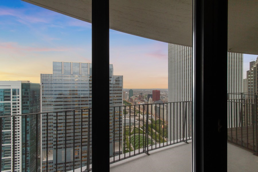 Real Estate Photography - 225 N Columbus Dr, Unit 6708, Chicago, IL, 60601 -