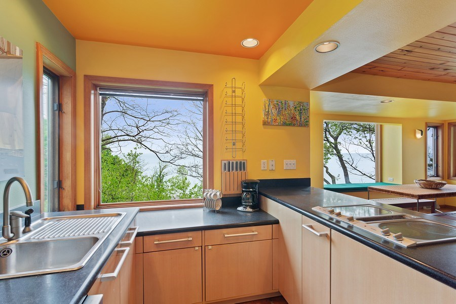 Real Estate Photography - 15492 Lakeshore, Lakeside, MI, 49116 - Kitchen