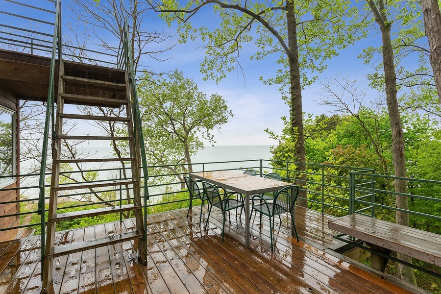 Real Estate Photography - 15492 Lakeshore, Lakeside, MI, 49116 - Deck
