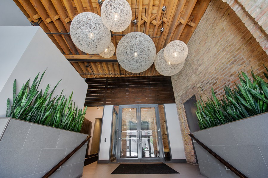 Real Estate Photography - 420 W. Grand Ave., #5B, Chicago, IL, 60654 - Lobby