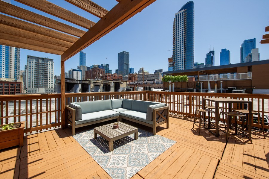 Real Estate Photography - 420 W. Grand Ave., #5B, Chicago, IL, 60654 - Roof Deck