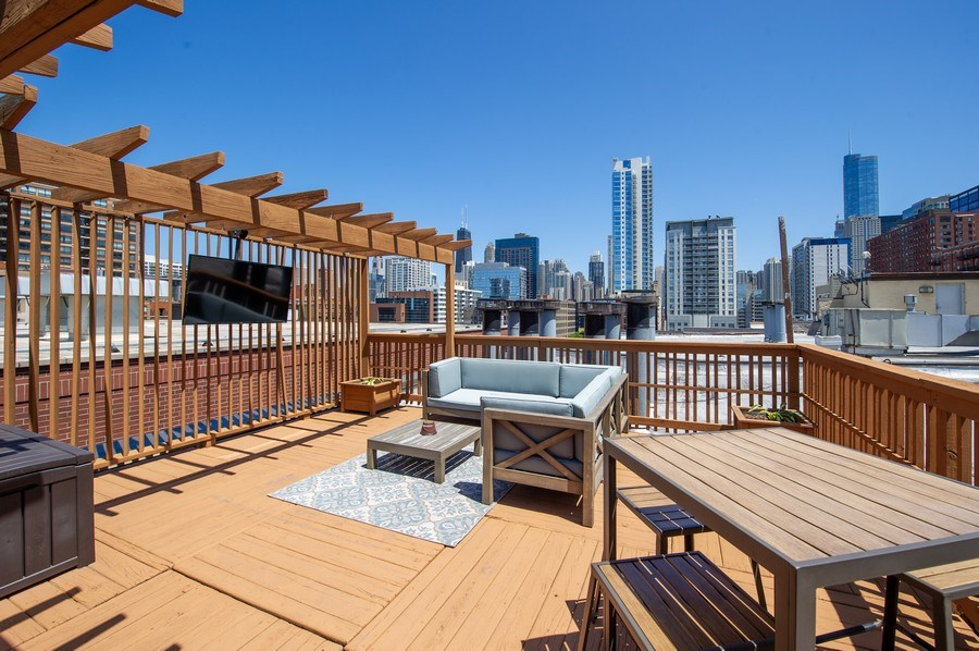 Real Estate Photography - 420 W. Grand Ave., #5B, Chicago, IL, 60654 -
