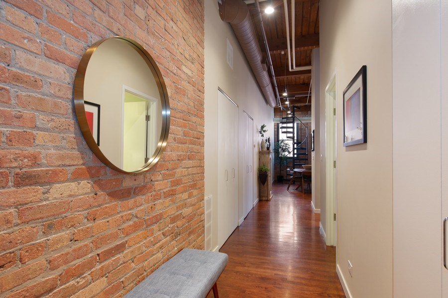 Real Estate Photography - 420 W. Grand Ave., #5B, Chicago, IL, 60654 - Hallway