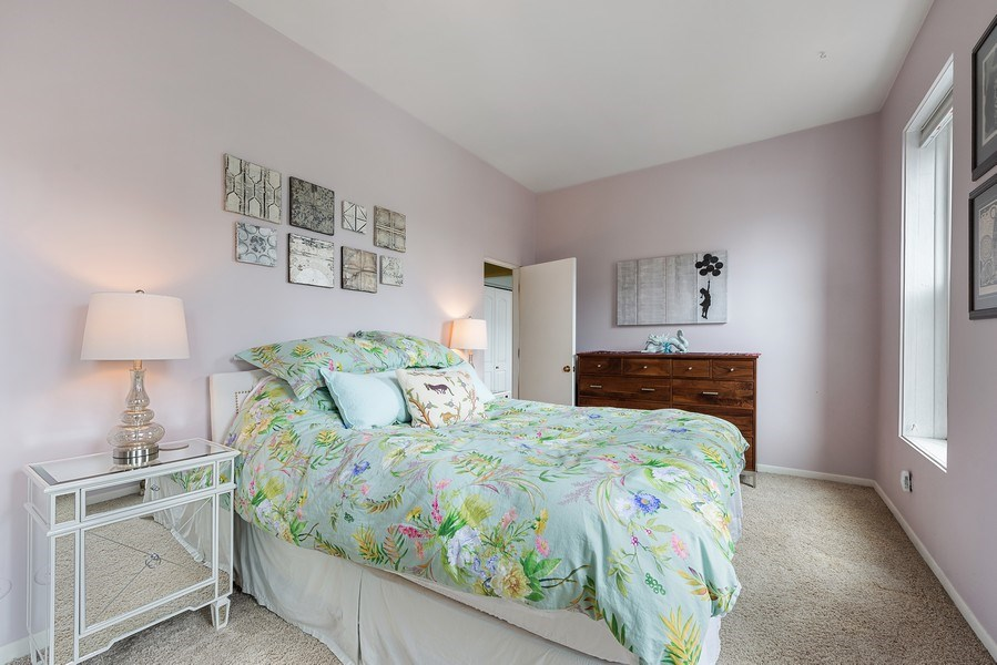 Real Estate Photography - 815 W. Dickens Ave #2E, Chicago, IL, 60614 - Master Bedroom