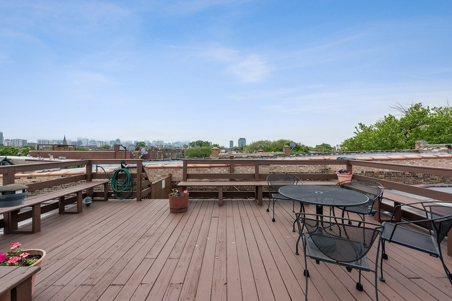 Real Estate Photography - 815 W. Dickens Ave #2E, Chicago, IL, 60614 - Common roof deck