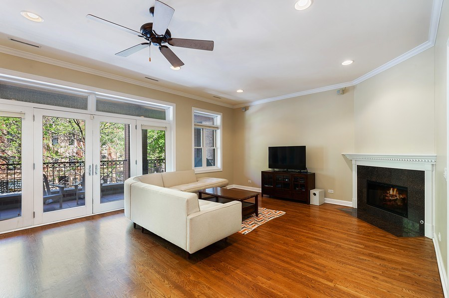 Real Estate Photography - 4821 N. Damen #2, Chicago, IL, 60625 - Living Room