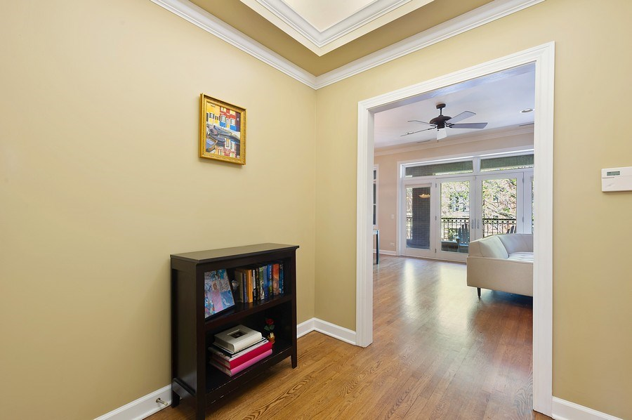 Real Estate Photography - 4821 N. Damen #2, Chicago, IL, 60625 - Foyer