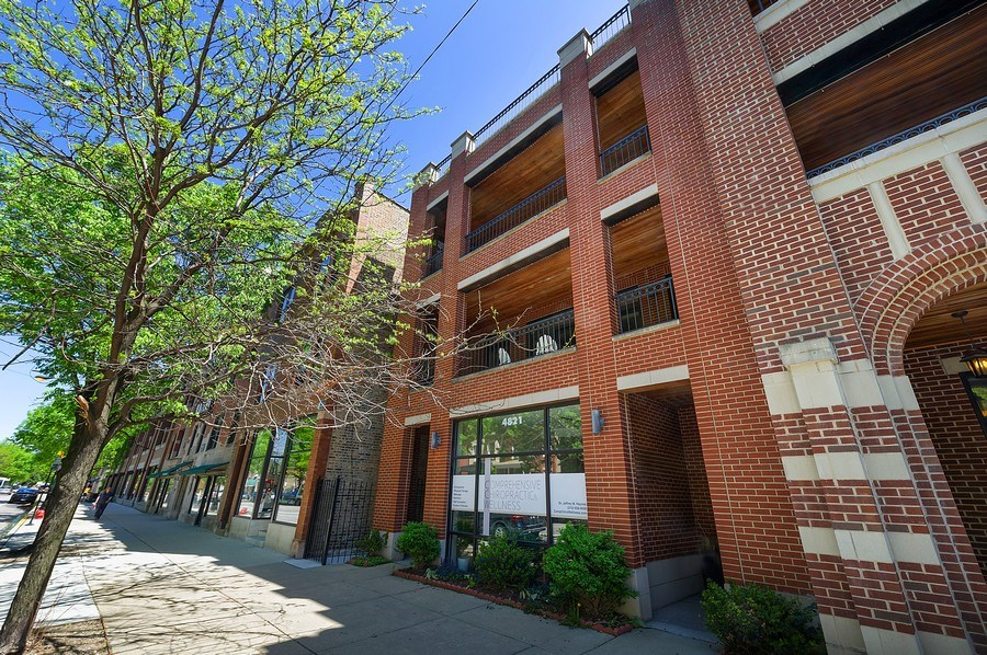 Real Estate Photography - 4821 N. Damen #2, Chicago, IL, 60625 - Front View
