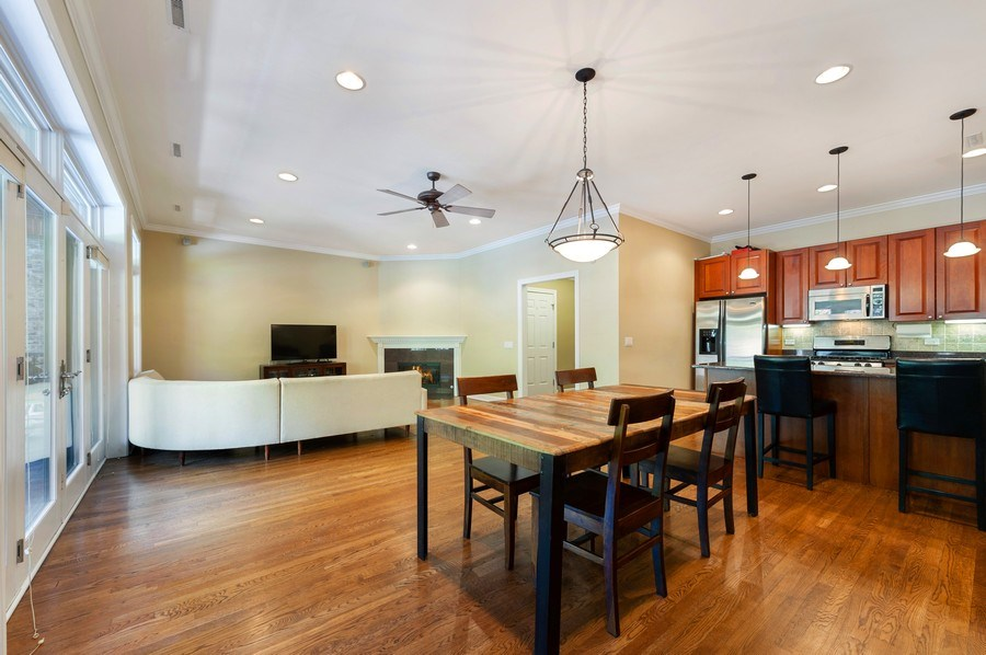 Real Estate Photography - 4821 N. Damen #2, Chicago, IL, 60625 - Living Areas