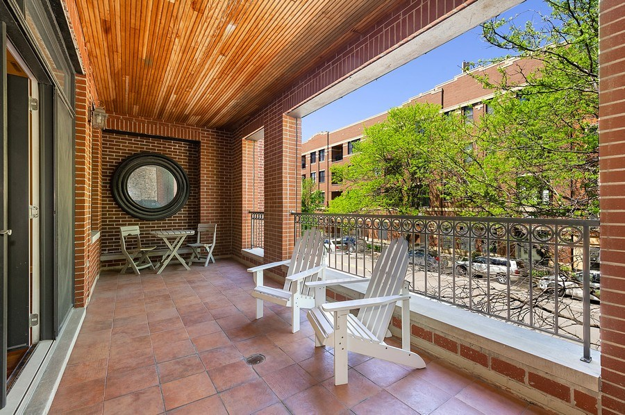 Real Estate Photography - 4821 N. Damen #2, Chicago, IL, 60625 - Terrace