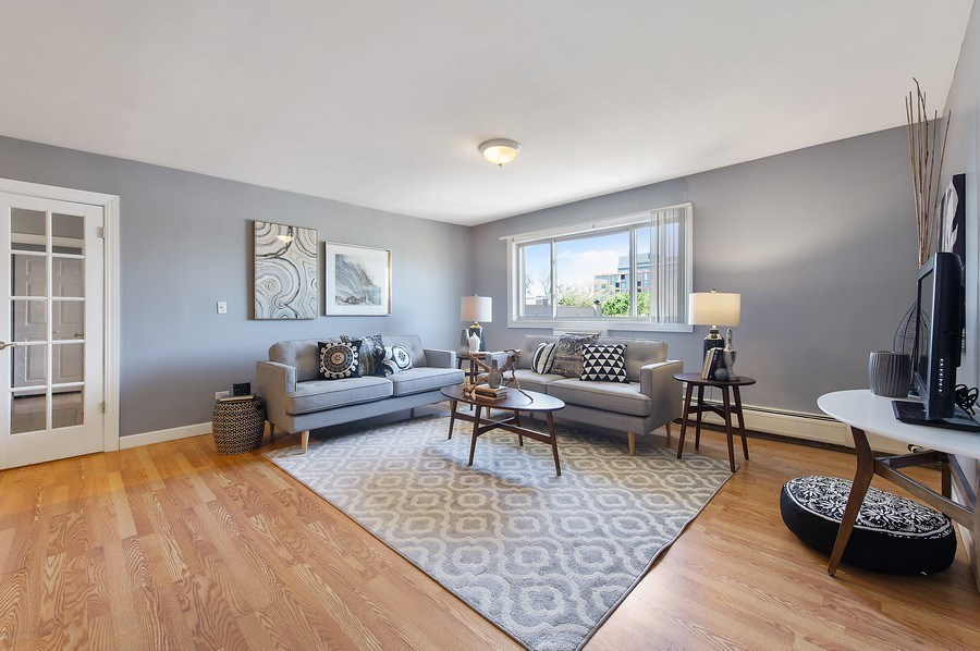Real Estate Photography - 900 W. Fullerton #5A, Chicago, IL, 60614 - Living Room