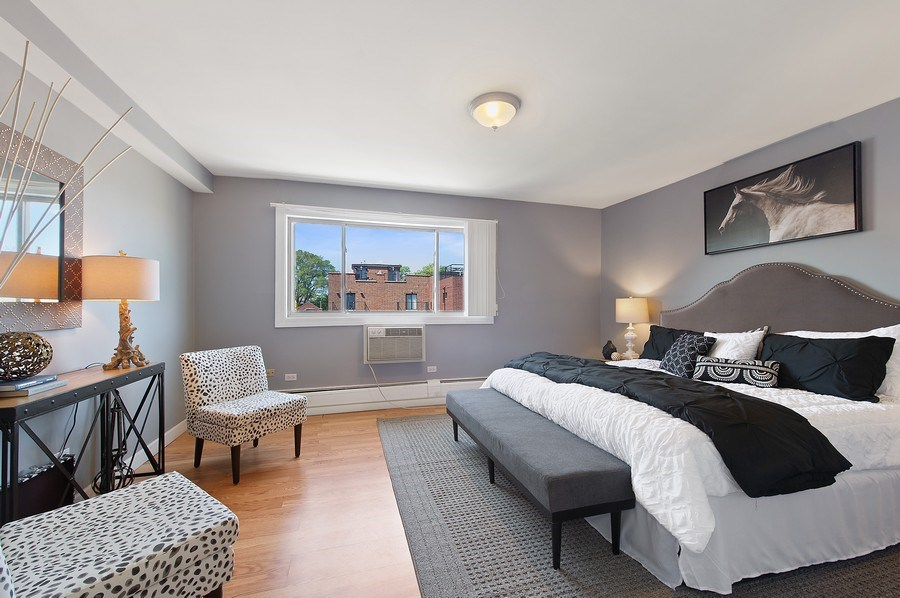 Real Estate Photography - 900 W. Fullerton #5A, Chicago, IL, 60614 - Master Bedroom