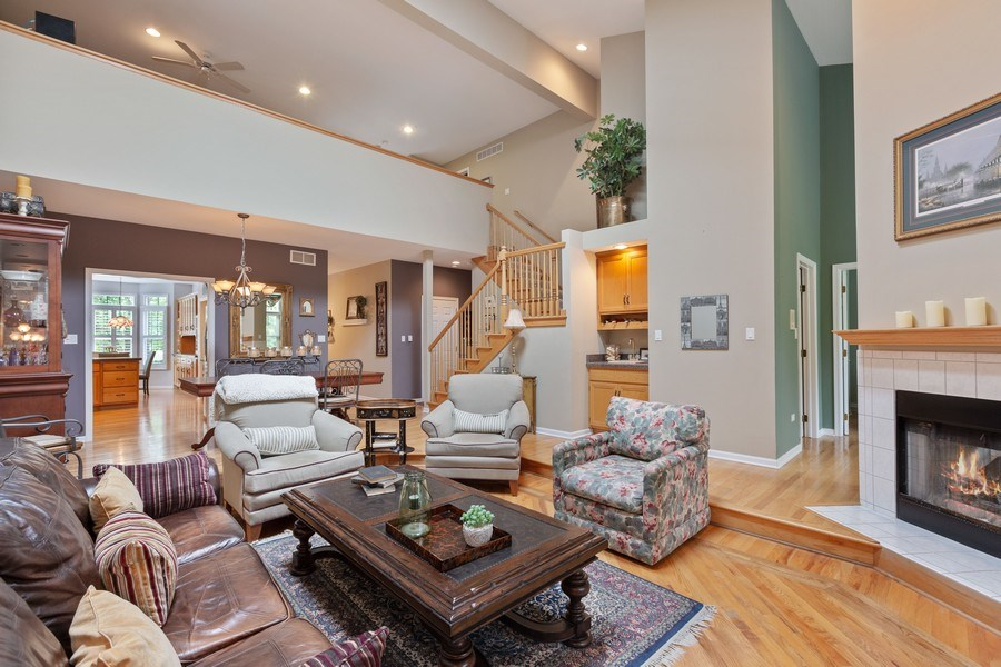 Real Estate Photography - 21685 Cappel Ln, Frankfort, IL, 60423 - Family Room