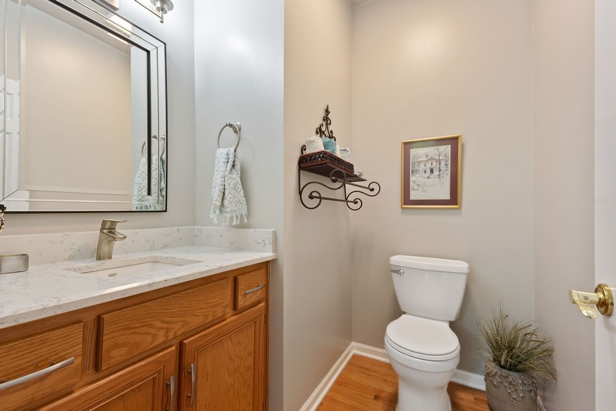 Real Estate Photography - 21685 Cappel Ln, Frankfort, IL, 60423 - 2nd Bathroom