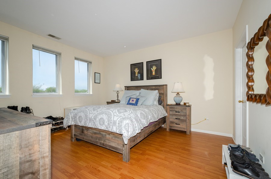 Real Estate Photography - 7742 N. Sheridan 3R, Chicago, IL, 60626 - Master Bedroom
