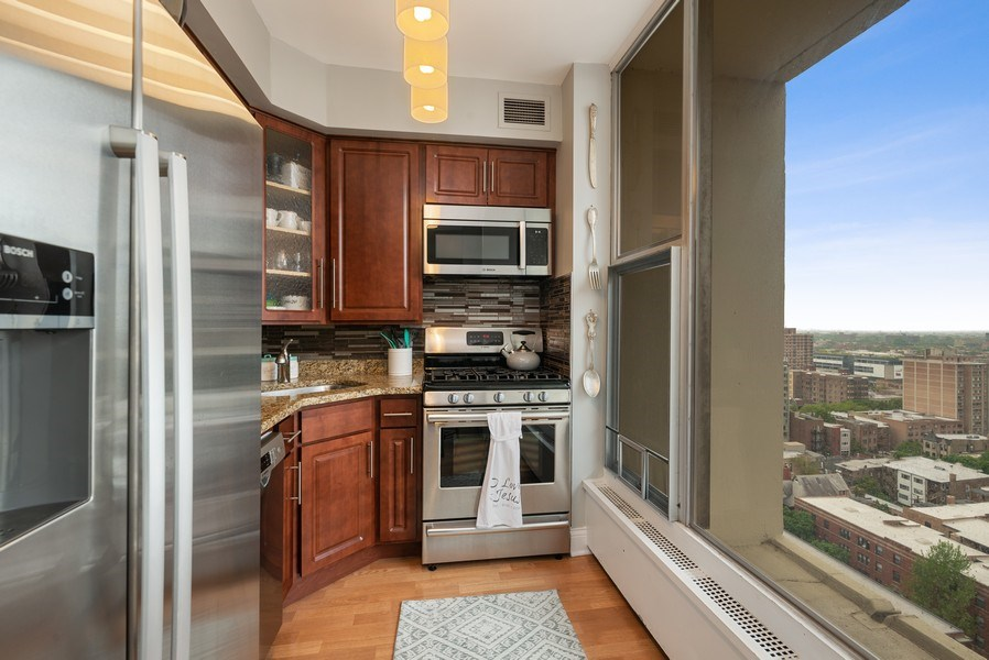 Real Estate Photography - 3200 N LAKE SHORE DRIVE, 2003, CHICAGO, IL, 60657 - Kitchen