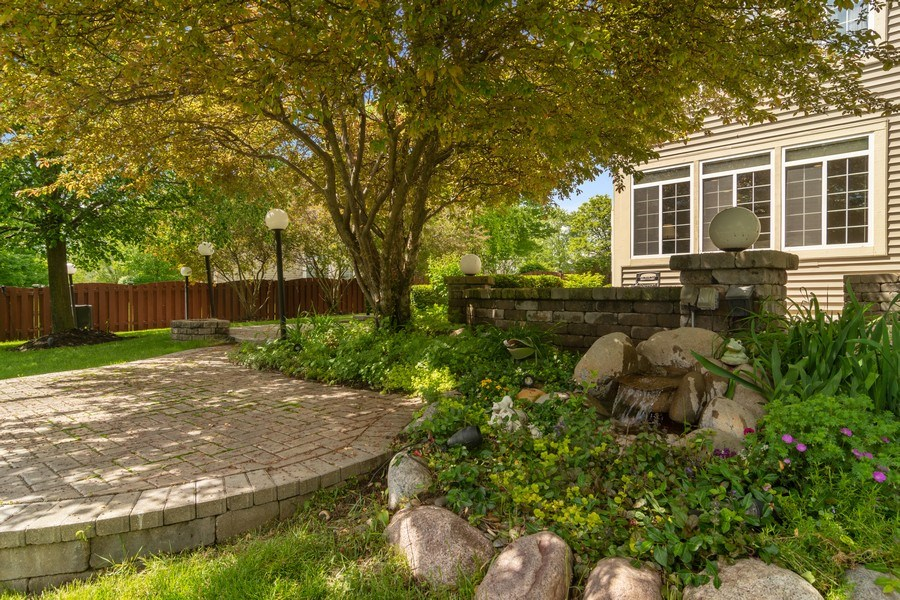 Real Estate Photography - 2240 applehill ct s, Buffalo grovr, IL, 60089 - Location 3