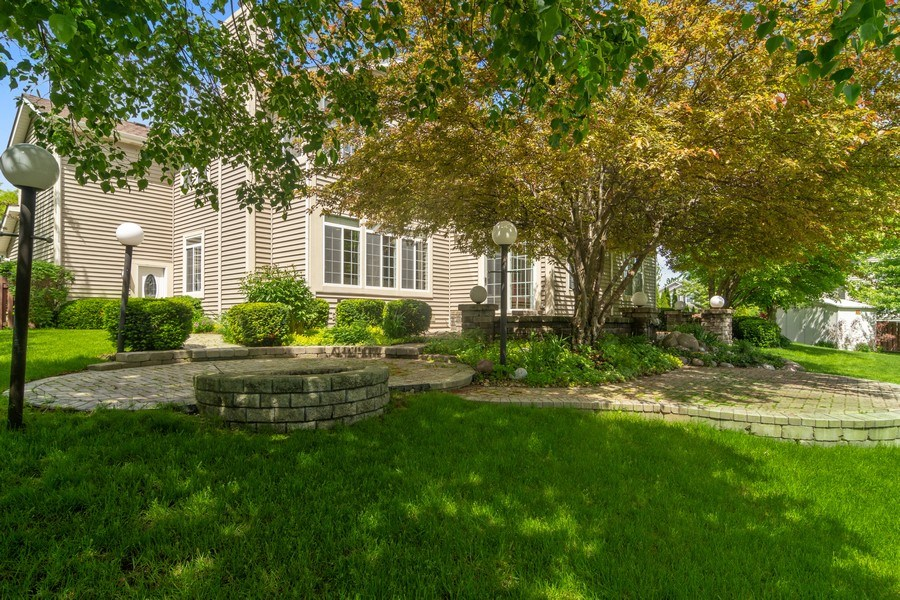 Real Estate Photography - 2240 applehill ct s, Buffalo grovr, IL, 60089 - Rear View