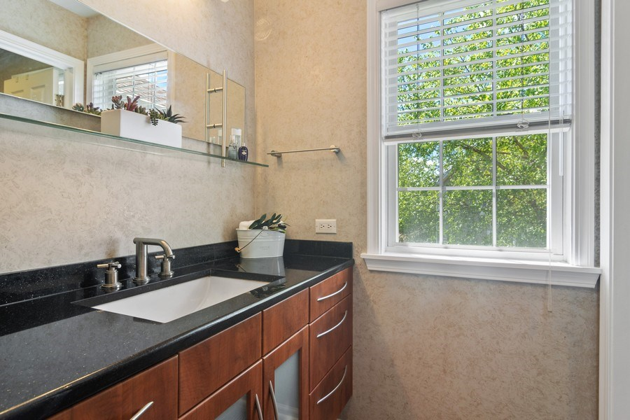 Real Estate Photography - 2240 applehill ct s, Buffalo grovr, IL, 60089 - Bathroom
