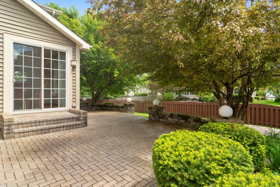Real Estate Photography - 2240 applehill ct s, Buffalo grovr, IL, 60089 - Patio