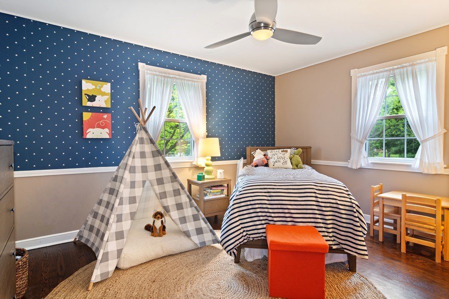 Real Estate Photography - 222 S Albert St, Mount Prospect, IL, 60056 - 2nd Bedroom